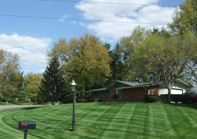 Lawn care, landscaper, lawn mowing, landscaping, mowing service, landscape service, mowing, new franklin ohio, new franklin oh, 44319,
